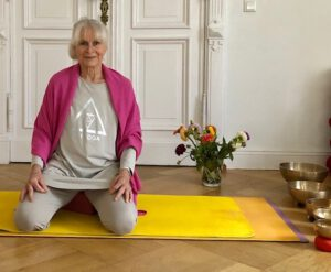 Yoga online mit Monica Wapnewski